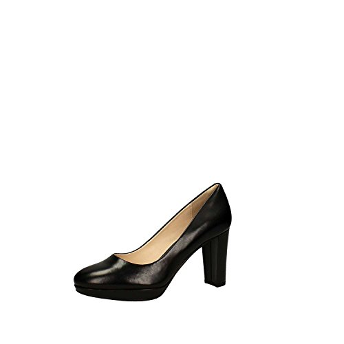 Kendra Sienna - Black Leather