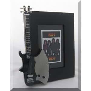Kiss Guitarra en miniatura marco de fotos hacha no máscara