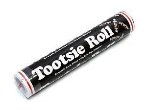 giant-tootsie-roll-re-usable-bank-filled-with-84-tootsie-roll-midgees