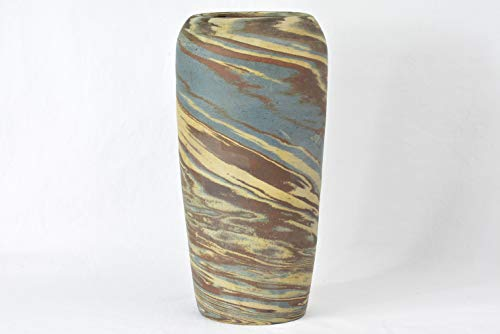 (Niloak Style 1920's Mission Swirl Hand Thrown Vase )