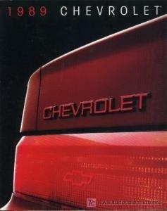 1989 CHEVROLET FULL-LINE COLOR BROCHURE / WHITE CORVETTE POSTER - ORIGINAL - USA - NICE - Full Chevrolet Line