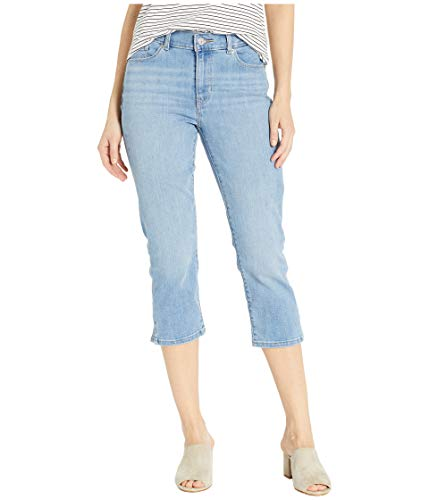 Levi's Women's Classic Capris, Light Days 30 (US 10)