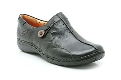 36b96359f Clarks Shoes - Womens Clarks Un Loop Black Leather Everyday Shoes   Amazon.co.uk  Shoes   Bags