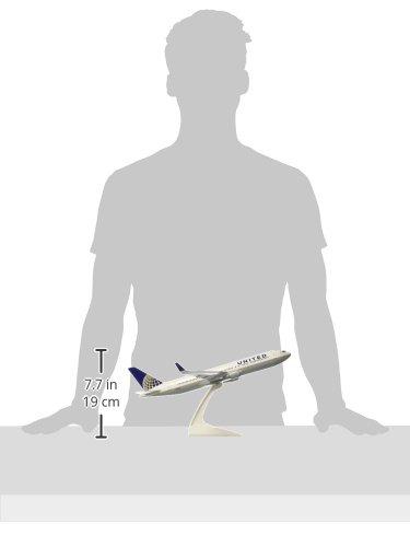 Daron Skymarks United 767-300ER Post Co Merger Liv Model Kit (1/150 Scale) by Daron (Image #2)