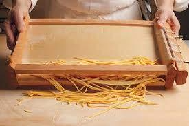 La auténtica Guitarra abruzos producido artesanalmente de Pasta A ...