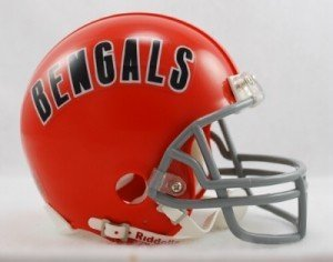 Cincinnati Bengals 1968-79 Throwback Replica Mini Helmet w/ Z2B Face Mask - Licensed NFL Football Merchandise