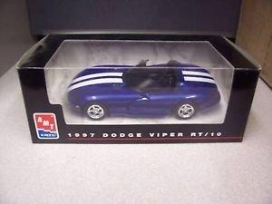 #8421 AMT/ Ertl 1997 Dodge Viper RT/10,Blue with White Stripes 1/25 Scale Plastic Promo Model Car, Fully Assembled (Promo Model Car)