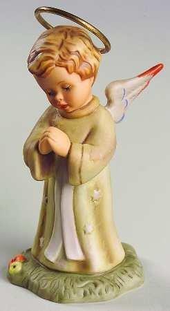The Berta Hummel Nativity, Angel Standing