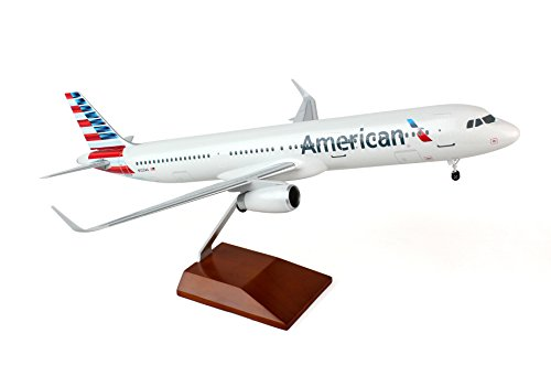 Daron Skymarks American A321 Airplane Model with Wood Stand & Gear (1/100 ()