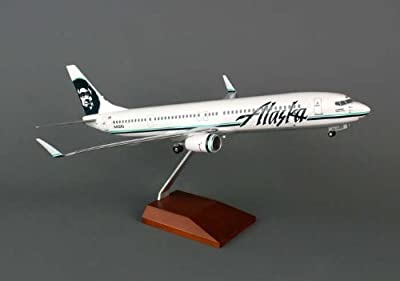 Daron Skymarks Alaska 737-900Er Aircraft with Wood Stand and Gear (1/100 Scale)