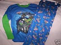 3431e0844992 Amazon.com   Monster Jam Grave Digger Pajamas Sleepwear   Other ...