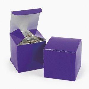 Mini Purple Gift Boxes (2 dz) by Fun Express by Fun Express ()