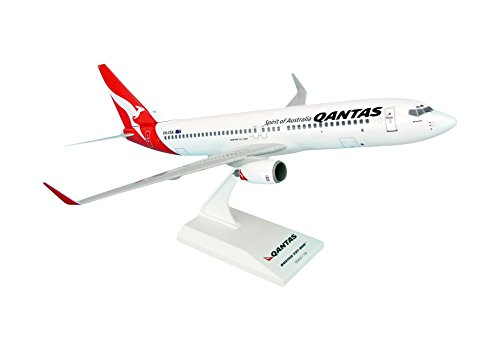 daron-skymarks-qantas-737-800-1-130-model-kit