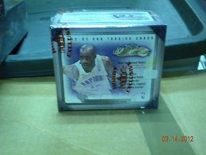 2002-2003 FLEER SHOWCASE BASKETBALL FACTORY SEALED BOX !! 2