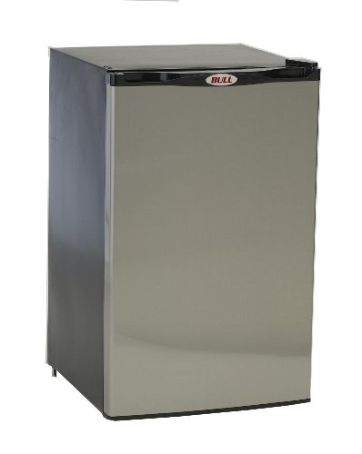 Outdoor Kitchen Appliances - Bull Outdoor Products 11001 Stainless Steel Front Panel Refrigerator