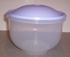 Amazoncom New TUPPERWARE Super Crisp It Lettuce Keeper Salad Bowl