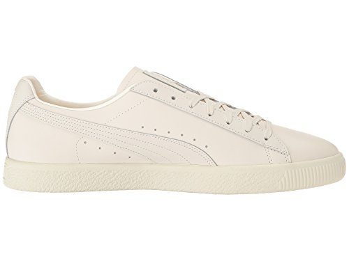 reputable site 0cf7c f696f PUMA Men's Clyde Natural Star White Athletic Shoe