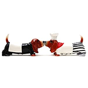 Pacific Trading Kissing Basset Hounds Chef Dogs Magnetic Salt and Pepper Shakers Set 43