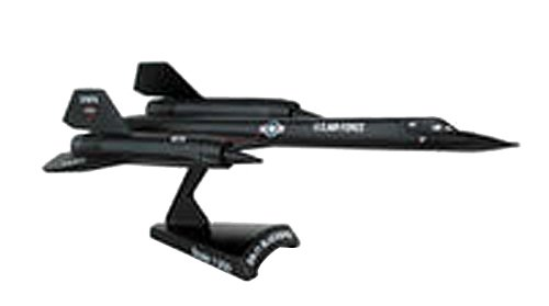 Daron Worldwide Trading SR-71 Blackbird Vehicle (1:200 Scale) -
