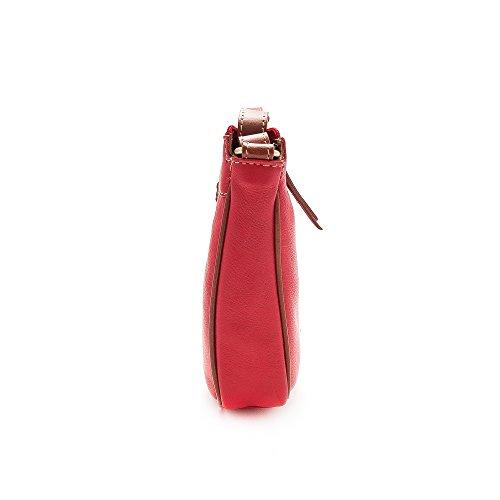 Zerimar. Bolso para mujer. Bandolera de piel suave, amplio y con múltiples bolsillos. Color rojo-tan. Medidas: 18x23x6 cms