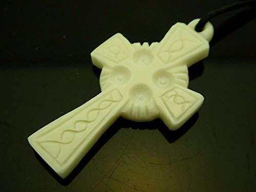 (Jewelry Accessories Celtic Cross European Style Woven Design Hand Carved Water Buffalo Bone Pendant 41mmx21mm )