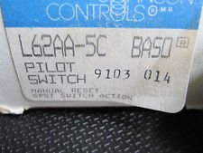Manual Reset Johnson Controls (Johnson Controls, Inc. L62GB1C Baso Pilot Switch Manual Reset SPST w/ 1)