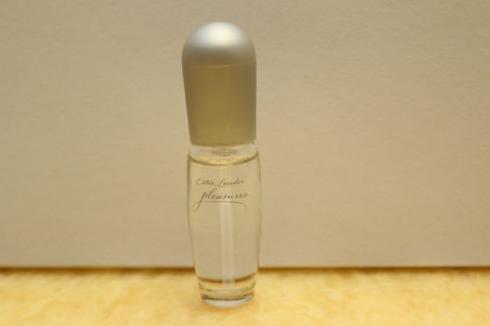 Estee Lauder Pleasures Perfume , Mini Spray .14oz / 4ml -