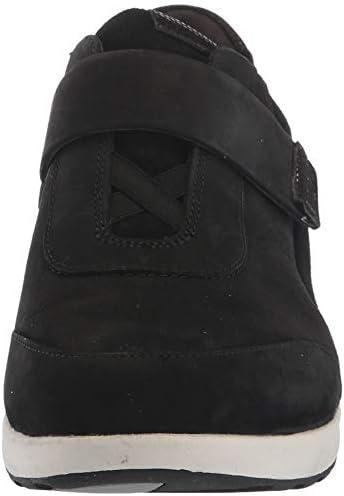 CLARKS Women\'s Un Adorn Lo Sneaker, Black Nubuck/Suede Combi, 50 M US