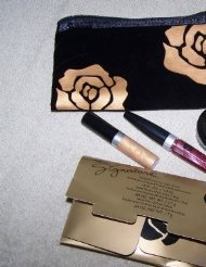 (Mary Kay Signature Velvet Collection ~ Golden Ruby)