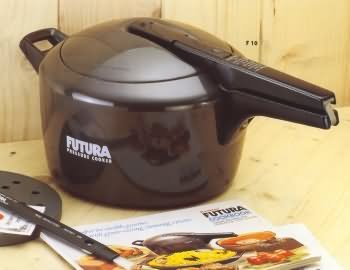 Hawkins Futura Anodized Pressure Cooker - 3 Liters by HAWKINS