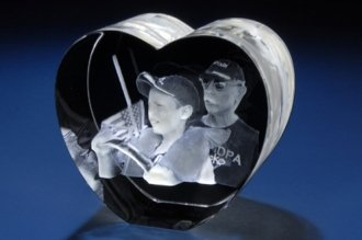 Personalized Custom 3d Photo Etched Engraving Crystal Loving Heart Gift (Birthday Gift, Anniversary Gift, Wedding Gift, Corporate Gift,Mother's Day Gift , Valentine's day gift , Christmas - Custom Crystal
