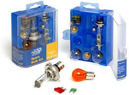 UNIVERSAL SPARE BULB KIT INCLUDING H1 H4 H7 BULBS & FUSES Travelspot SBK