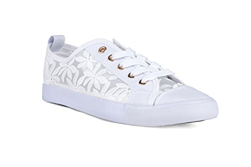 Twisted Womens Lo Top Embroidered Sneakers product image