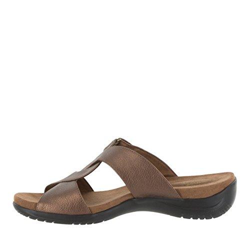 Easy Street de la mujer Spark Flat Sandal Bronce