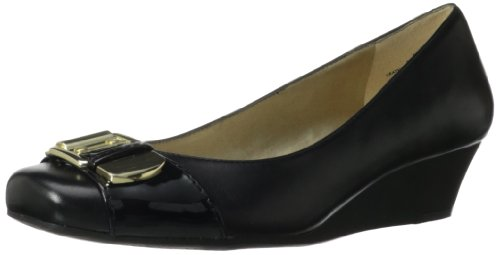 Bandolino Womens Urged Wedge Pump Black/Black Leather xIuQ0RwU