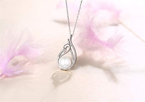 Sterling Silver Girls .8mm Box Chain 3D Right Foot Baby Shoe Bootie Pendant Necklace