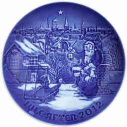 BING & GRONDAHL 2012 Porcelin Christmas Plate - Visit from Santa Claus by Royal Copenhagen