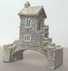 LILLIPUT LANE BRIDGE HOUSE IN WINTER COTTAGE - BNIB -RETIRED & RARE