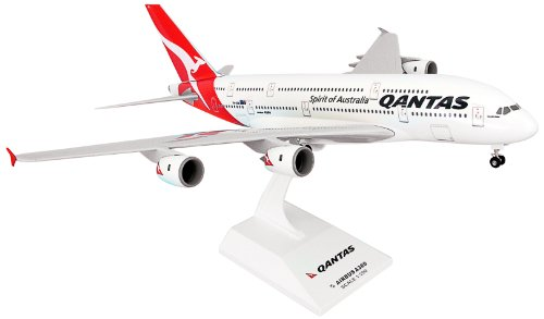 Daron Skymarks Qantas A380-8 New Livery Model Kit with Gear (1/200 Scale)