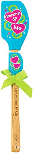 Just 4 U Gifts Grandma Grandchild Kitchen Set - Grandmas Never Run Out of Kisses or Cookies Towel and Blue Hearts Spatula Set with Gift Tag by Just 4 U Gifts (Image #2)
