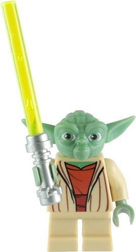 er Yoda Minifigure With Green Lightsaber ()