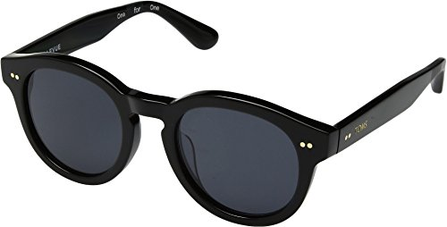 TOMS Unisex Bellevue Shiny Black One - In Sunglasses Person