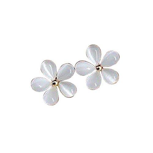 Flower daisy floral ivory white gem stone flowers earrings (White Daisy Earrings)