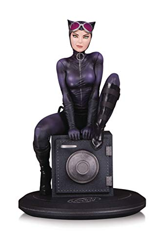 (DC Collectibles DC Cover Girls: Catwoman by Joelle Jones Resin Statue)