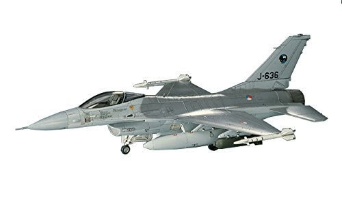 Hasegawa 1/72 F-16A Plus Fighting Falcon (Air Force Fighter Kit)