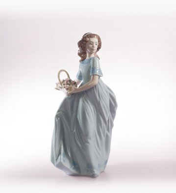 Lladro Spring Enchantment 06130 Girl with Basket of Flowers (Lladro Girl Flowers)