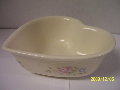 Pfaltzgraff Tea Rose Heart (Pfaltzgraff Tea Rose Stoneware 1 Quart Heart Shaped Serving Bowl)