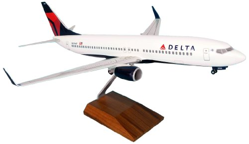 (Daron Skymarks Delta 737-800 Model Kit with Gear and Wood Stand (1/100 Scale))