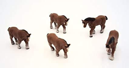 Amazon com: 5 Pc Clydesdales Horses Ho Scale Scale Figures: Toys & Games