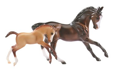 Breyer Sport Horse and Foal Bay and Chestnut